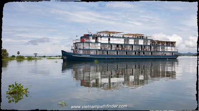 Combined Trip from Hanoi Capital-Saigon-Cruise Mekong River up to Cambodia