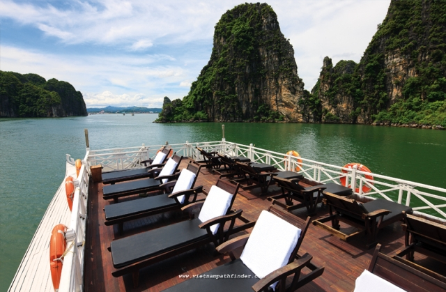 on the sundesk of aclass Halong