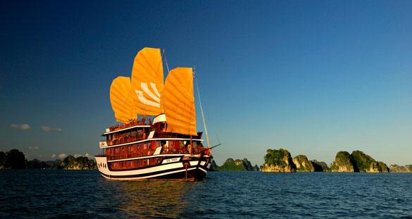 Halong boat cruise