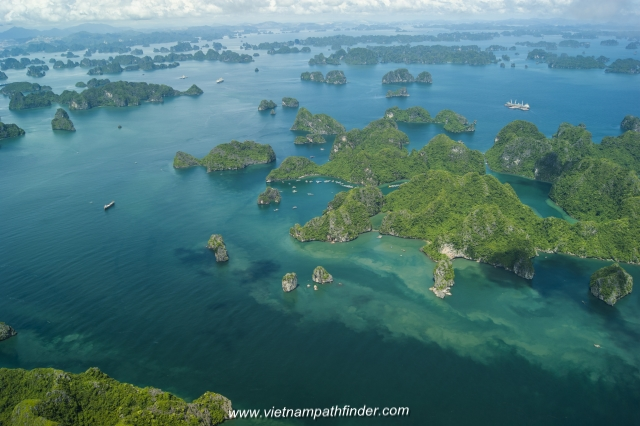 Halong bay in guided tour 2days 1night