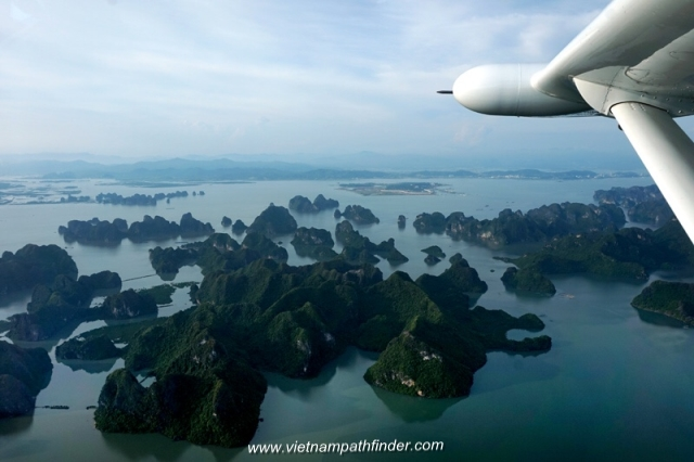 Seaplane to Halong water