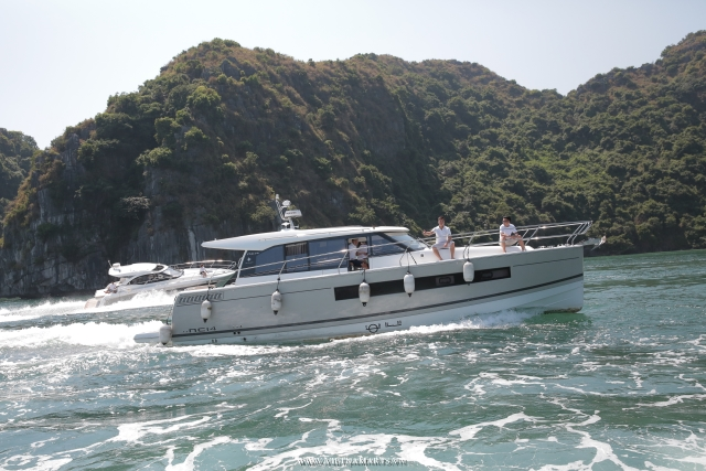 Halong Luxury Charter Yacht- 4 Hours cruise with the Leader 36