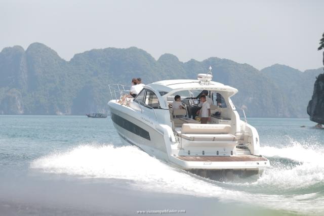 Halong Yacht Charter rental