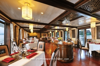 Dining room on the Paradise luxury Cruise