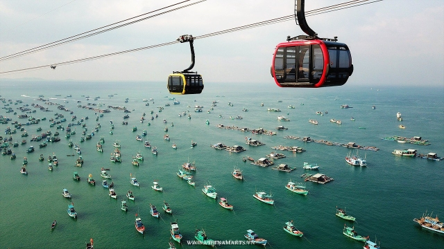 Cable car to Hon Thom Islet Phu Quoc