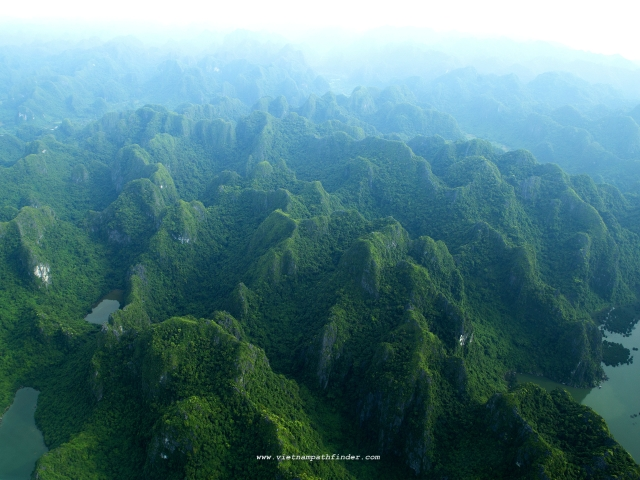 Halong bay, a World Nature Hesitage Site