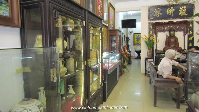 Local arts and antique gallery in Hanoi