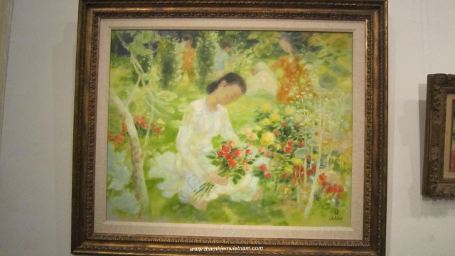 to collect Vietnamese art works
