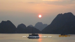 Sun set over the bay in halong