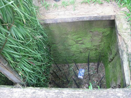 Cu chi tunnel body trap